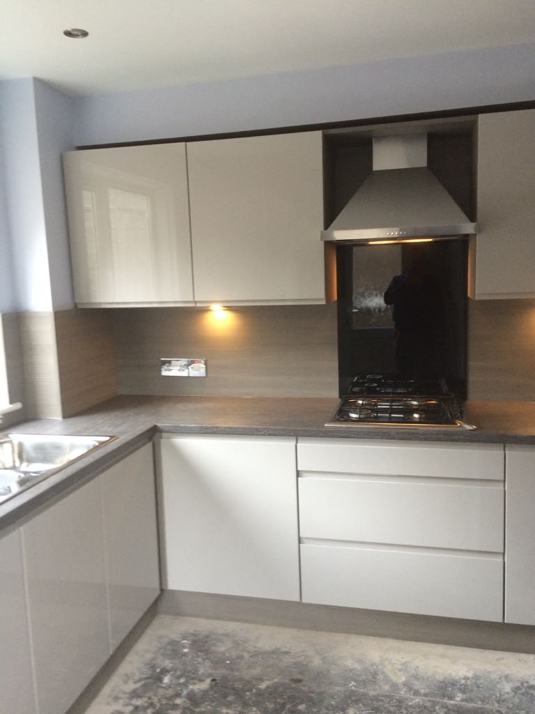 Kitchens Bathrooms Bedrooms. Glasgow Lanarkshire . Kudos offer a Free no obligation plan and design on all Fully Fitted Kitchens, Bathrooms & Bedrooms Larkhall Hamilton Wishaw Motherwell South Lanarkshire North Lanarkshire Glasgow East Kilbride Airdrie Coatbridge Carluke Rutherglen Cambuslang Uddingston Goven Bishopbriggs Tollcross Parkhead Newmains Lanark Law Cumbernauld Biggar Kirkmuirhill Balliston Bearsden Braidwood Lesmahagow Quarter Syminton Douglas Kirkintillock Bridgeton Partick Kitchens Bathrooms Bedrooms.