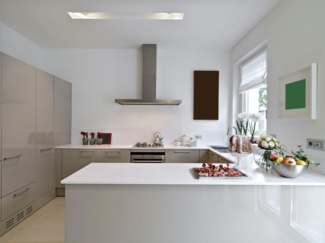 Kitchen Bathroom Bedroom. Lanarkshire and Glasgow ,Kudos offer a Free no obligation plan and design on all Fully Fitted Kitchens, Bathrooms & Bedrooms in the Glasgow and Lanarkshire Area.North and South Lanarkshire